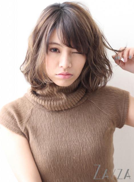 小顔に見せる髪型3