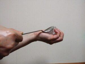 氷を割る方法
